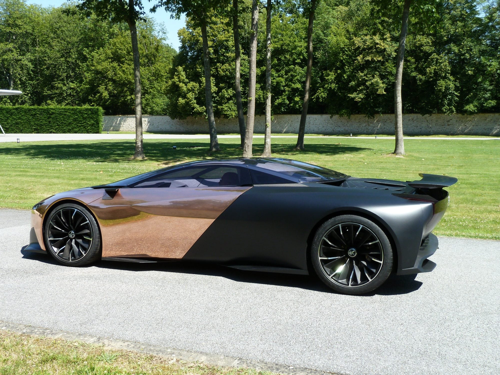 Win A Ride In Today S Hottest Supercar The Peugeot Onyx