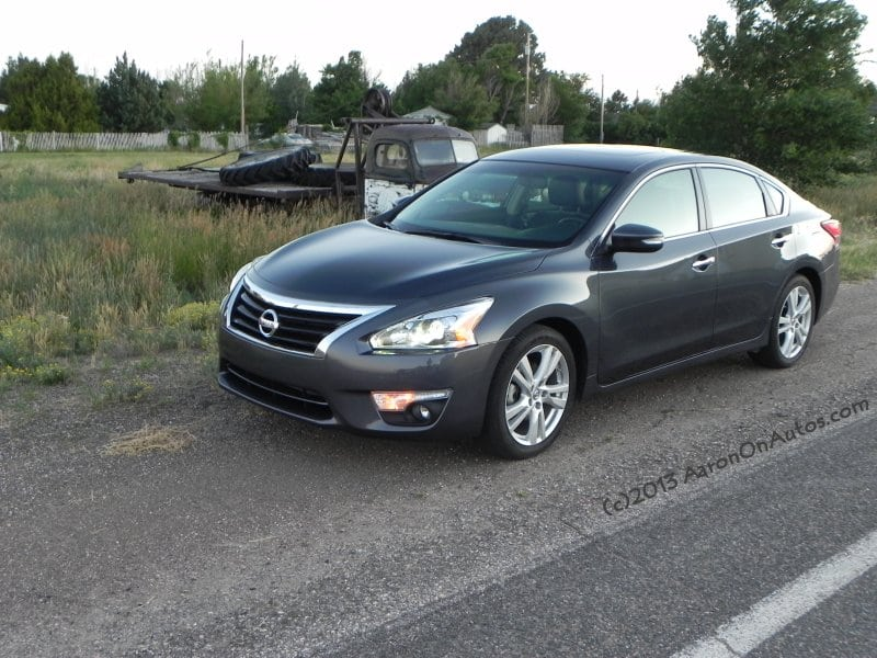 2013 Nissan Altima 3.5 SL – style and speed hidden in a midsize package