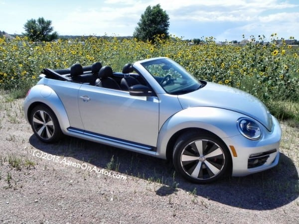 2013VWBeetleTurboConvertible wyonebline4 AOA800px 600x450 2013 VW Beetle Convertible Turbo   the Poor Mans Porsche