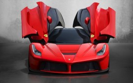 laferrari-doors-open