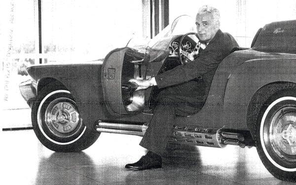 1960-Plymouth-XNR-Concept-Car-Virgil-Exner