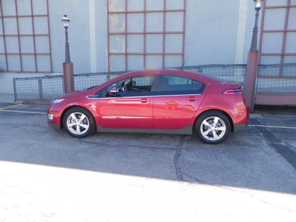2013 Chevrolet Volt red Lside AOA800px