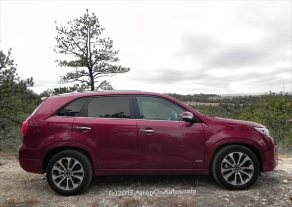 2014 Kia Sorento - trees right side AOA800px