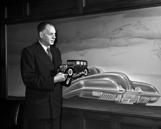 Harley-Earl-in-his-Argonaut-Office-1948-