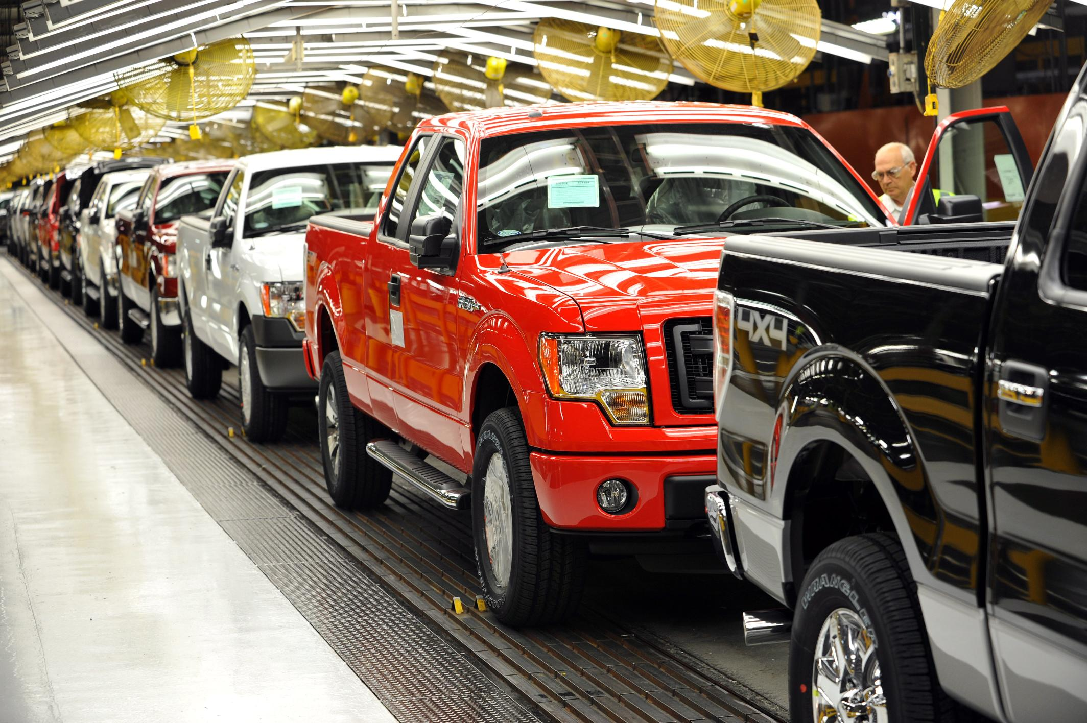 First 2014 Ford F150 CNGcapable trucks roll off line in Kansas