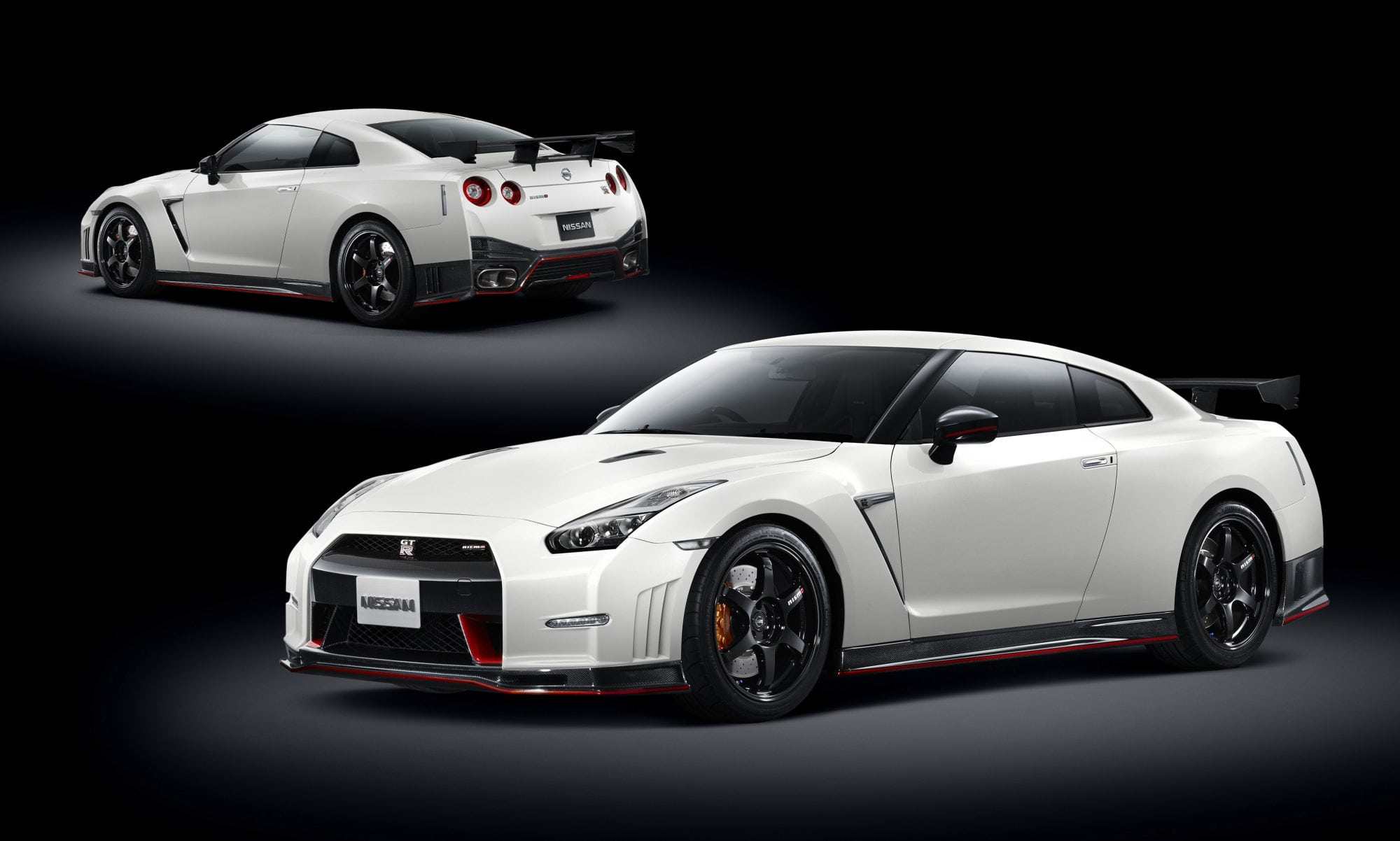 2015 nissan gt r nismo roars into la auto show carnewscafe. Black Bedroom Furniture Sets. Home Design Ideas