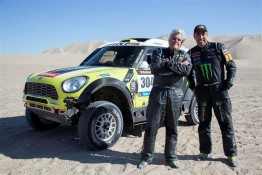 2014_Jay_Leno_Nani_Roma_MINI_ALL4_Racing_Dakar_77266_Large-2e5d46df-dba7-49ec-b898-de97b3b0b7c6