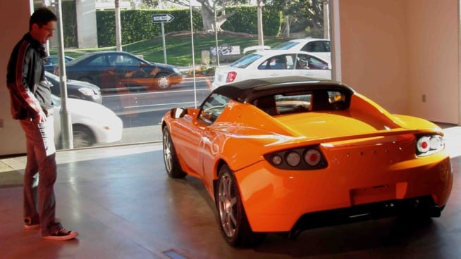 400 mile Tesla Roadster