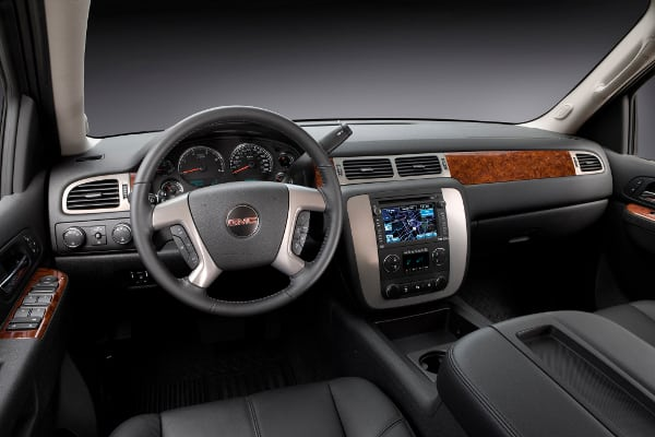 2014-GMC-sierra-2500 interior