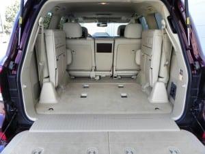 2014 Lexus LX570 - interior2 - AOA1200px