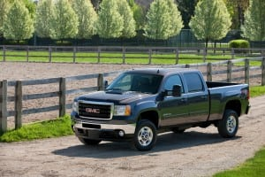 2014 GMC Sierra 2500 Review: Beefed UP, redesigned looks, & a big diesel engine