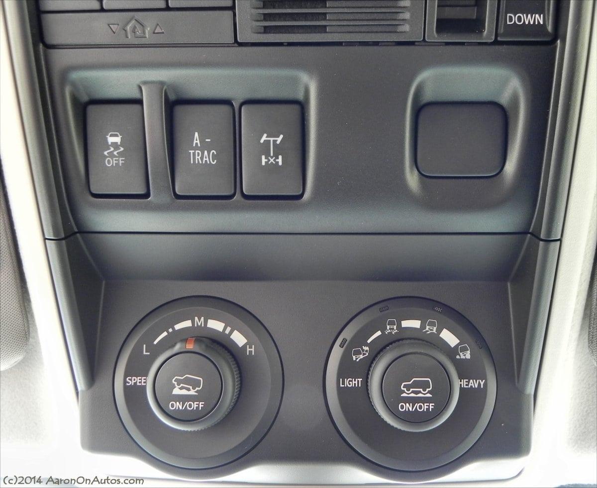الأنظمة كالتراكشن وعوائقها 2014-Toyota-4Runner-Trail-offroad-controls-AOA1200px.jpg