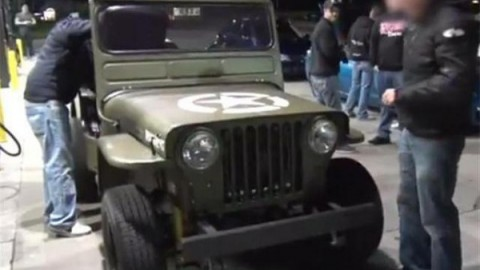 750 HP Willys Jeep Dragster takes on a Nissan GT-R