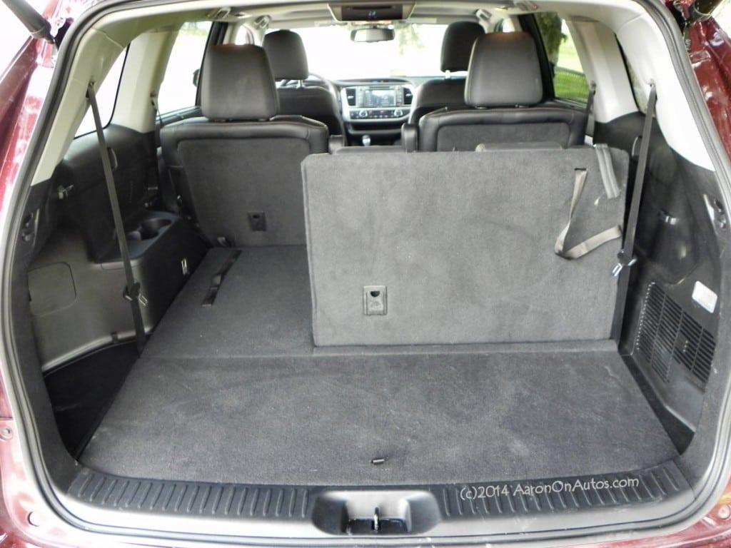 2014 Toyota Highlander - interior 3 - AOA1200px