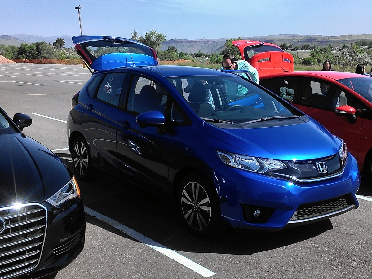 2015 honda fit first drive impression shows it 39 s comparable carnewscafe. Black Bedroom Furniture Sets. Home Design Ideas