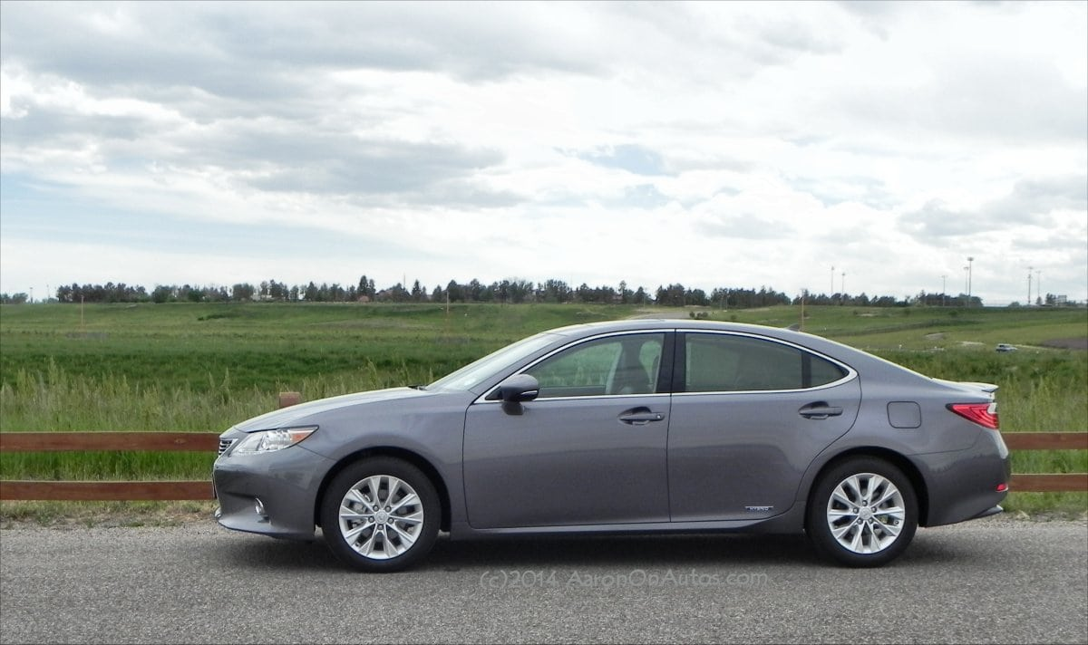 2014 Lexus ES 300h is one fine automobile