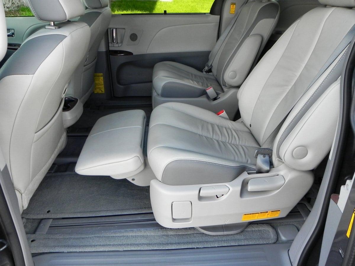 Car Picker  toyota Sienna interior images