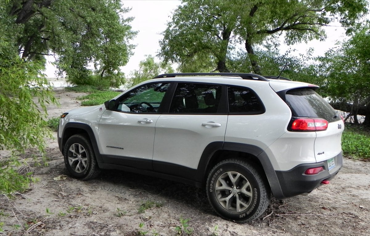 2014 jeep cherokee trailhawk get there and do stuff carnewscafe. Cars Review. Best American Auto & Cars Review