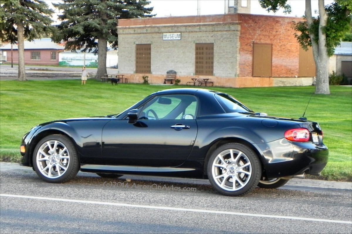 2014 mazda mx 5 miata is fun times packaged in four wheels. Black Bedroom Furniture Sets. Home Design Ideas