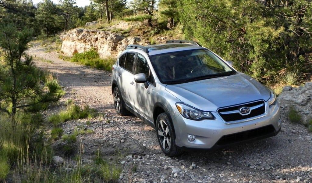 2014 Subaru XV Crosstrek Hybrid - hills 4 - AOA1200px