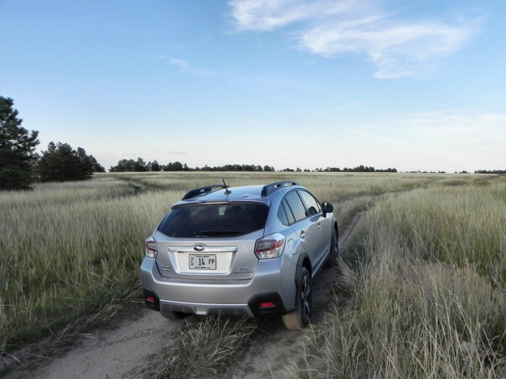 2014 Subaru XV Crosstrek Hybrid - hills 5 - AOA1200px