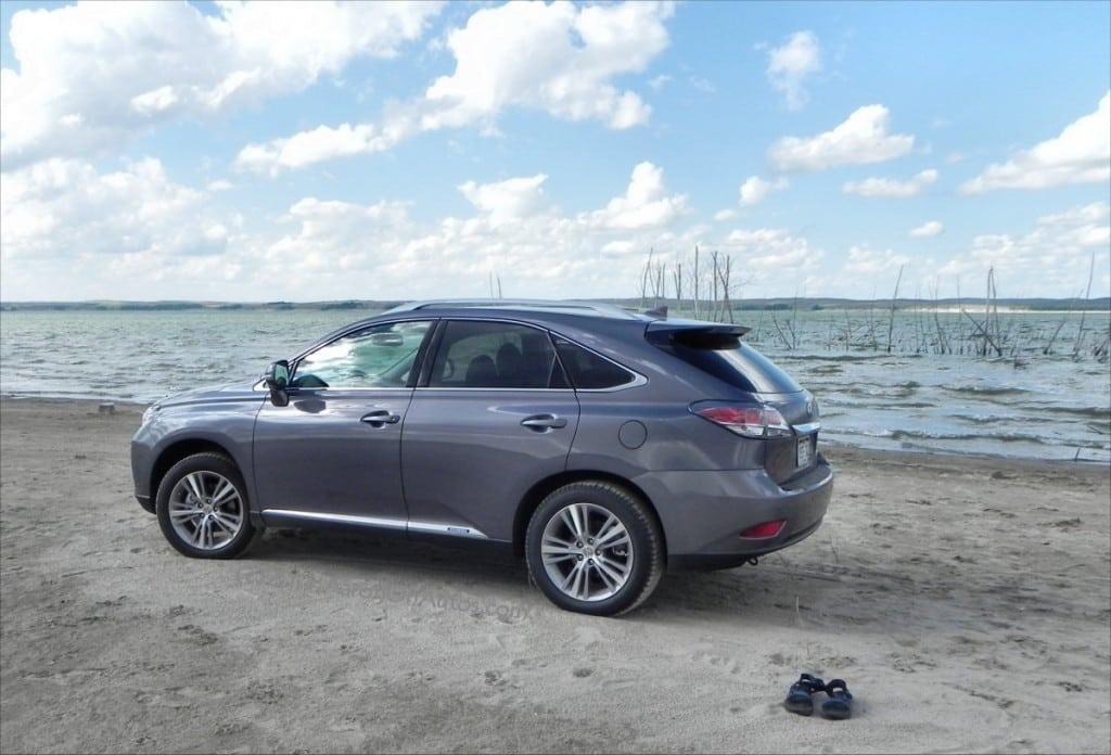2015 Lexus RX450h - Lake 2 - AOA1200px