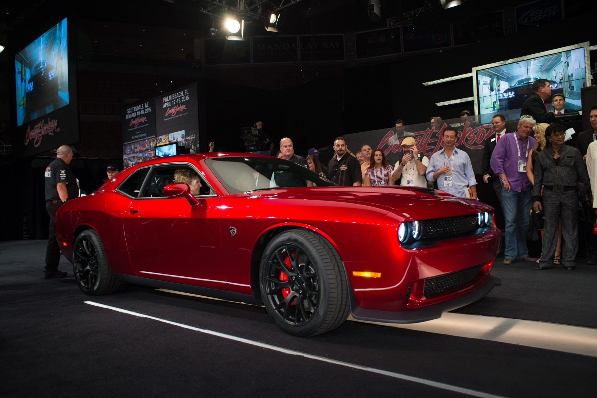 2015 Dodge Challenger SRT Hellcat VIN0001 Raises $1.65M for Charity ...