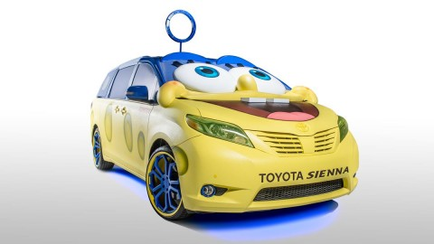 SpongeBob Squarepants-inspired 2015 Toyota Sienna.. I'd totally drive this