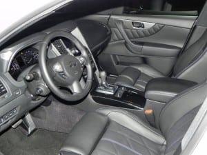 2015 Infiniti QX70 - interior 4 - AOA1200px