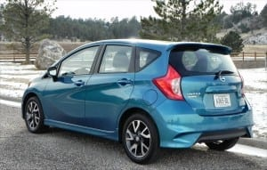 2015 Nissan Versa Note - park 2 - AOA1200px