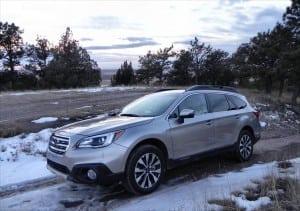 2015 Subaru Outback - snow 1 - AOA1200px