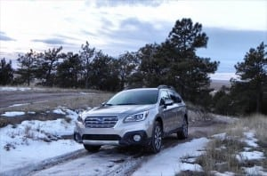 2015 Subaru Outback - snow 2 - AOA1200px