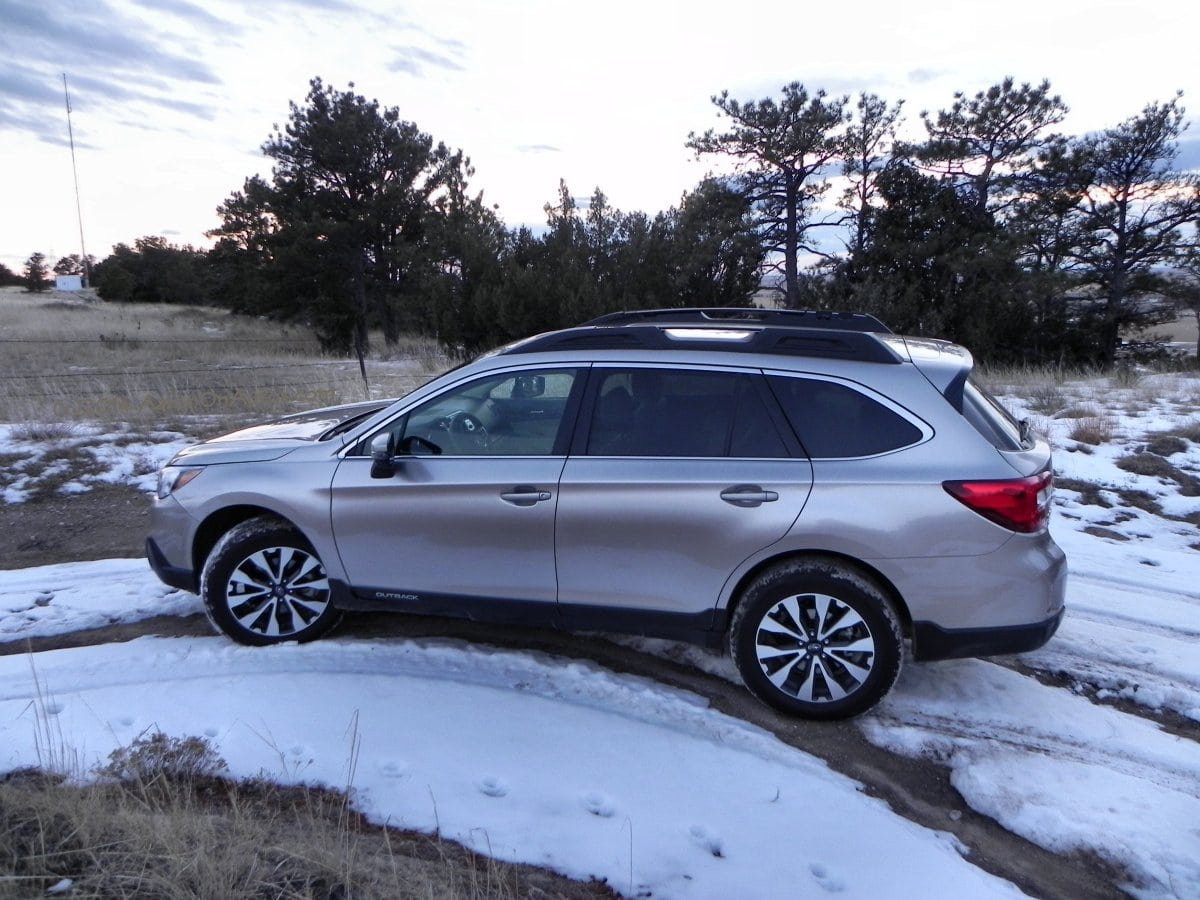 2015 Subaru Outback vs Mitsubishi Outlander vs Kia Sorento – Saturday Showdown - CarNewsCafe.com