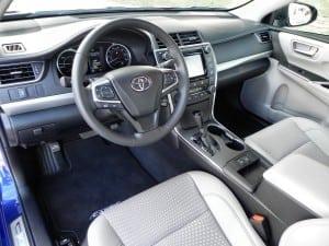 2015 Toyota Camry Hybrid - interior 1 - AOA1200px