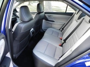 2015 Toyota Camry Hybrid - interior 2 - AOA1200px