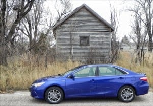 2015 Toyota Camry Hybrid – new look, same excellent efficiency