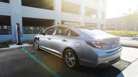 Detroit Auto Show 2016 Hyundai Sonata Plug-In Hybrid Will Deliver 22 Mile Range