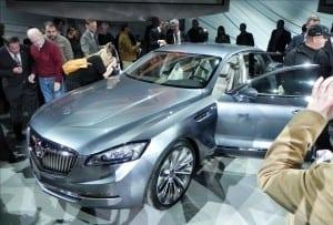Buick Avenir Concept - preshow1 - 1200px