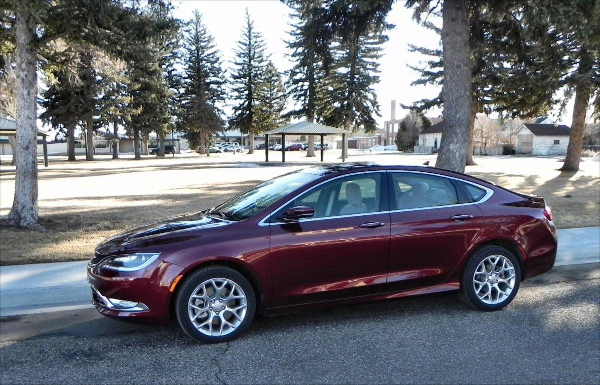 2015 chrysler 200 is the new benchmark in midsize sedans. Black Bedroom Furniture Sets. Home Design Ideas