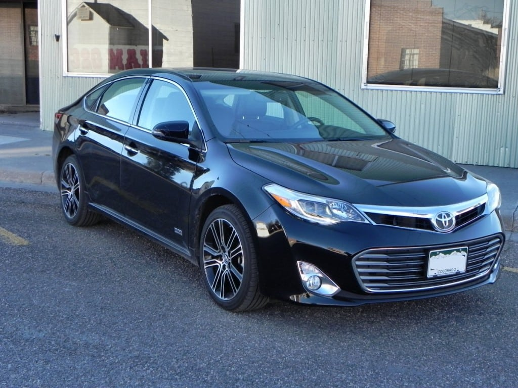 2015 toyota avalon is a progressive conservative sedan. Black Bedroom Furniture Sets. Home Design Ideas