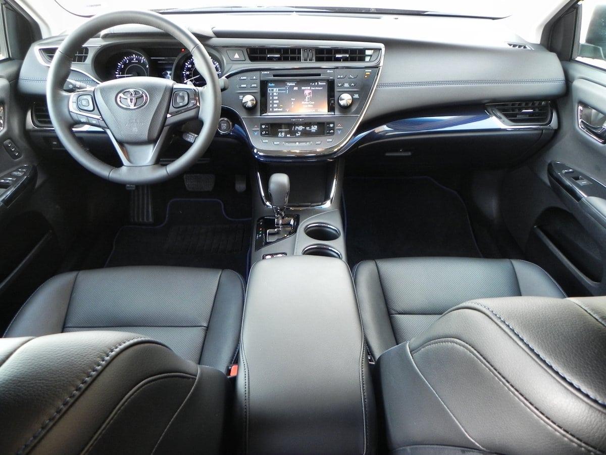 2015 Toyota Avalon Interior