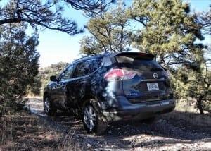 2015 Nissan Rogue - trees - AOA1200px