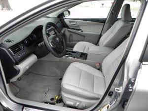 2015 Toyota Camry XLE - interior 3 - AOA1200px