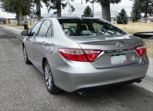 2015 Toyota Camry XLE - park 10 - AOA1200px