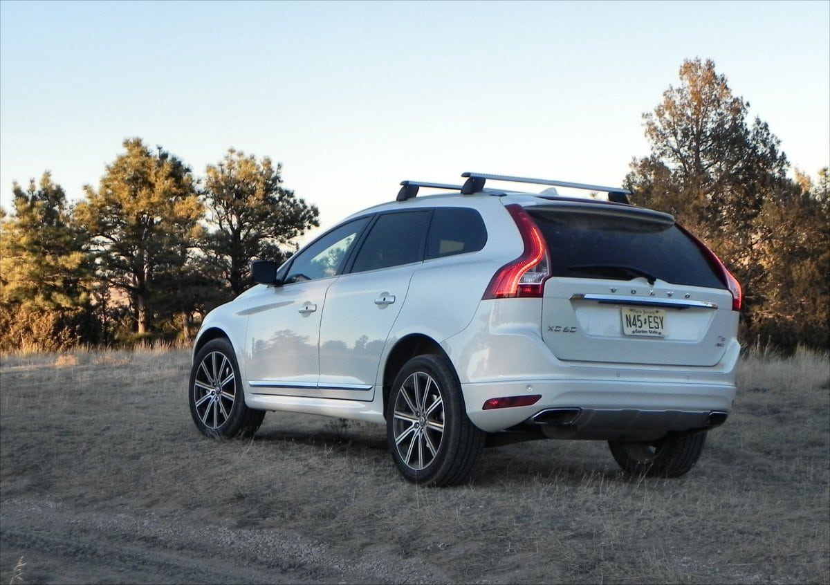 2015 volvo xc60 is well rounded fun driving carnewscafe. Black Bedroom Furniture Sets. Home Design Ideas