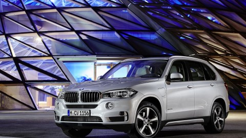 BMW Launches Plug-in SUV With Complicated Name
