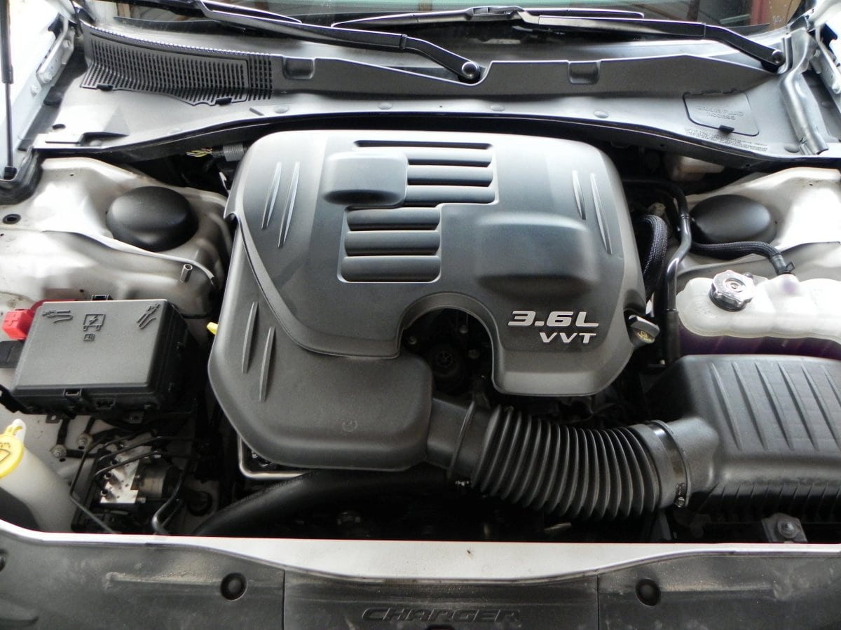 2014 dodge charger se engine