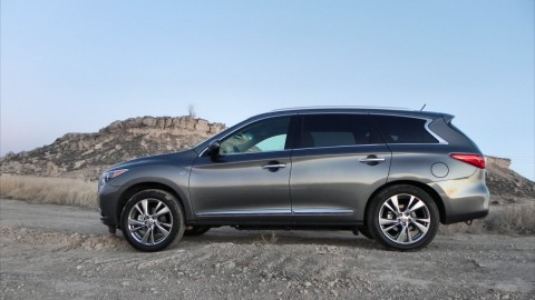 2015 Infiniti QX60 is Luxurious Family Hauling