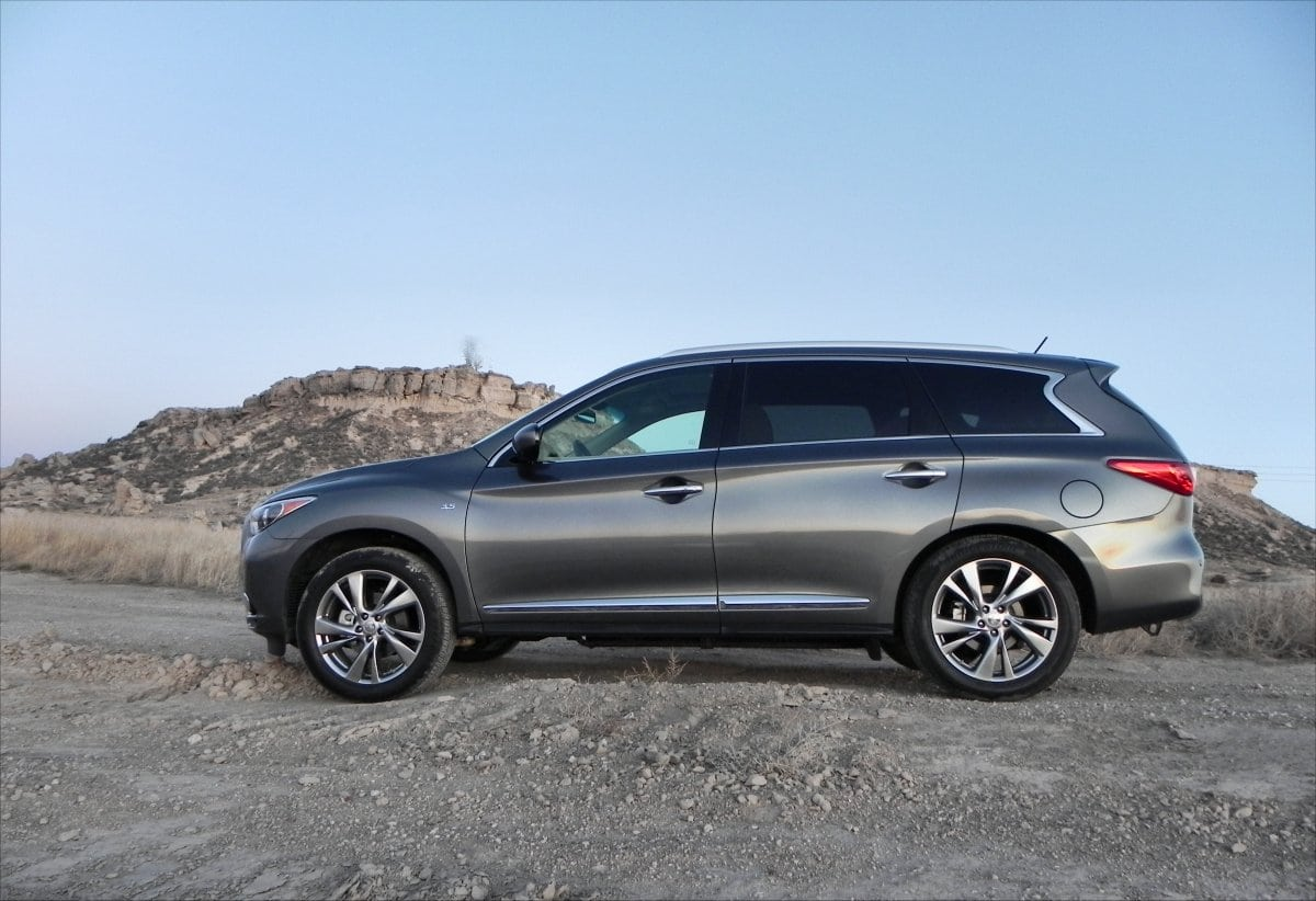 2015 infiniti qx60 is luxurious family hauling. Black Bedroom Furniture Sets. Home Design Ideas