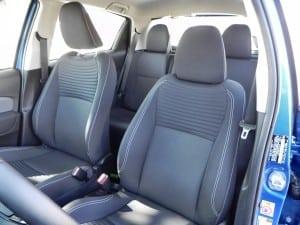2015 Toyota Yaris - interior 2 - AOA1200px